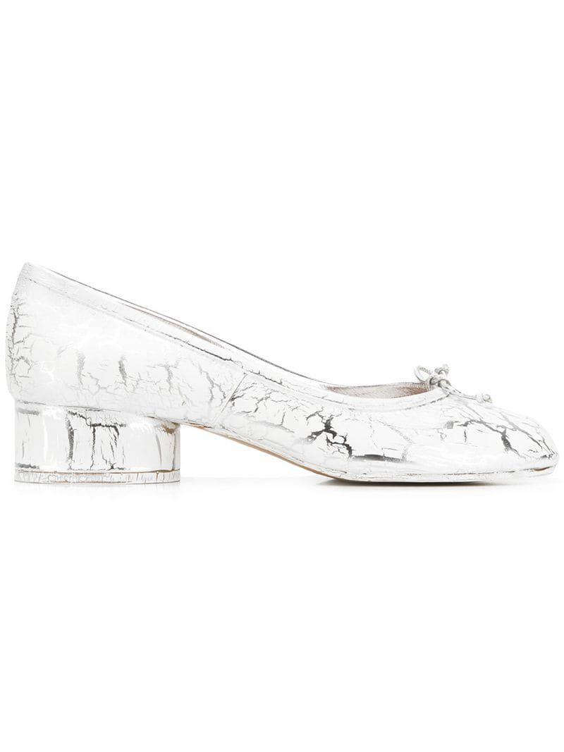 6f5063860a02 Lyst - Maison Margiela Cleft Toe Tabi Pumps in White