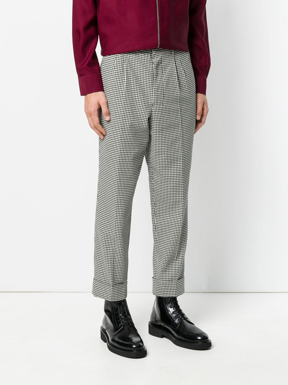 AMI Pleated Carrot Fit Trousers in het Zwart voor heren