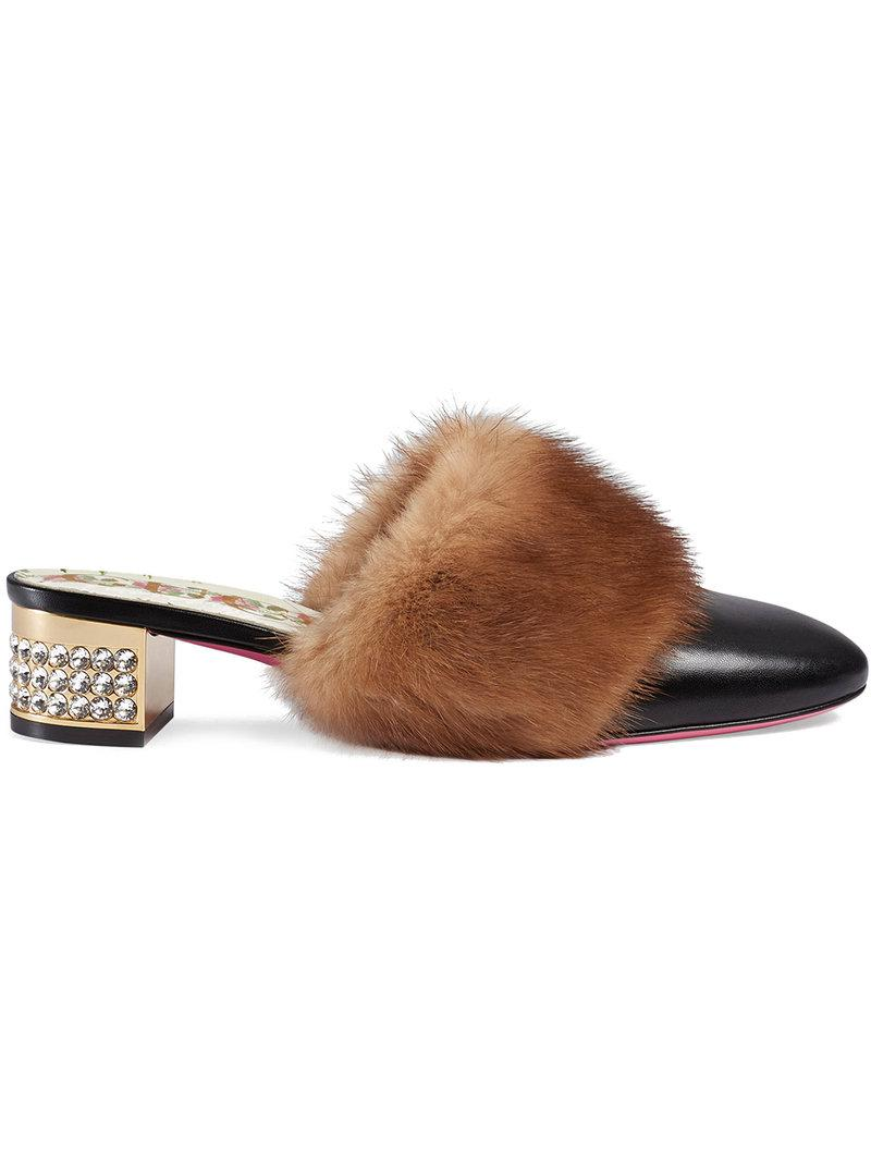 b70aa1c4e Lyst - Sandalias con detalle de pelo visón Gucci de color Negro