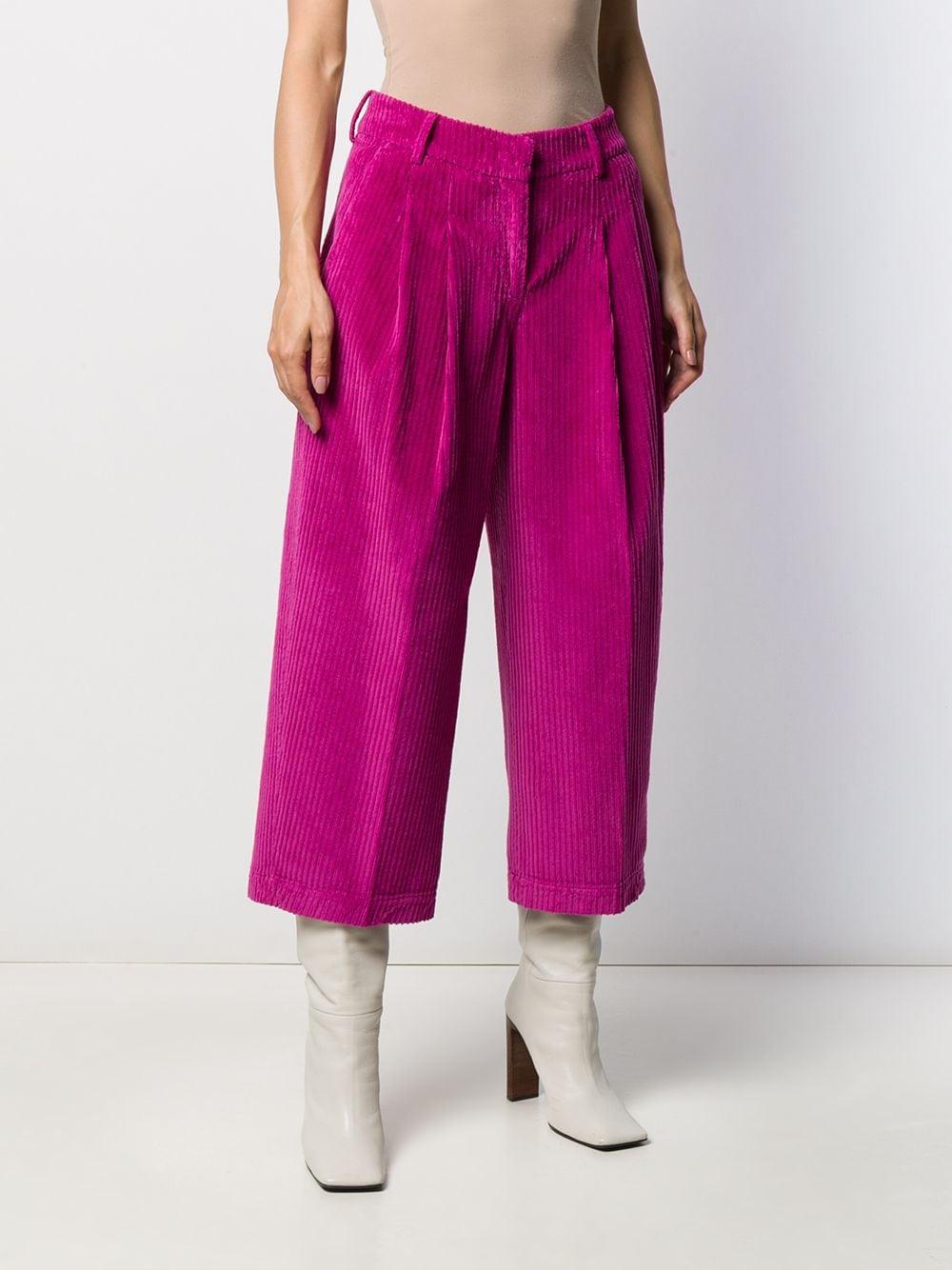Pantalones capri de terciopelo PT01 de Terciopelo de color Rosa