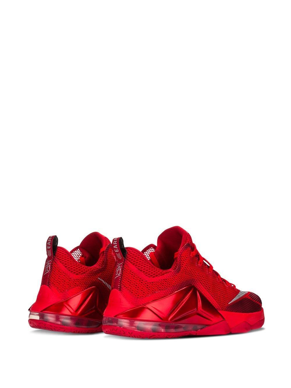 Nike Lebron 12 Low Sneakers in het Rood voor heren