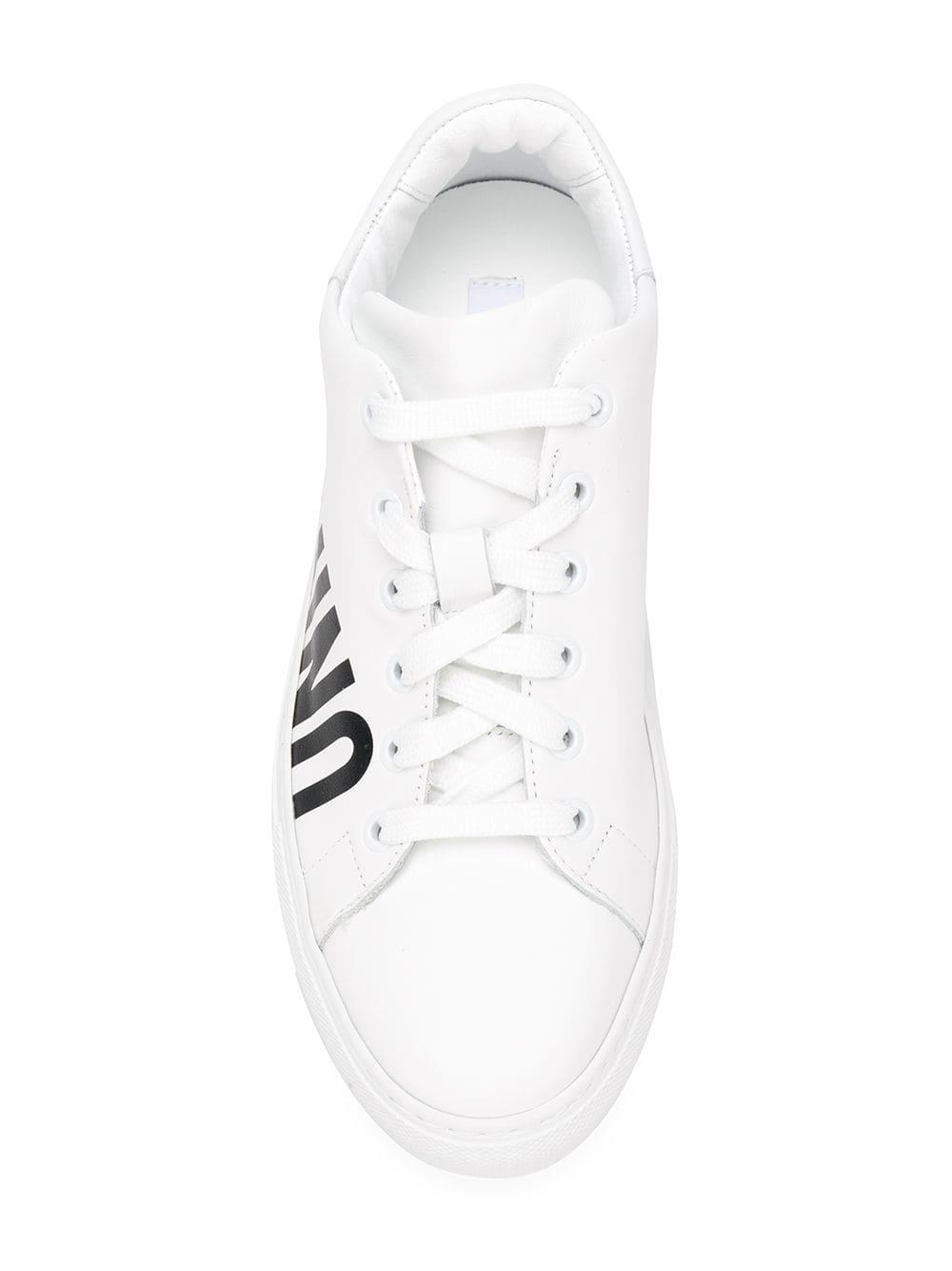 Zapatillas bajas con logo Moschino de color Blanco