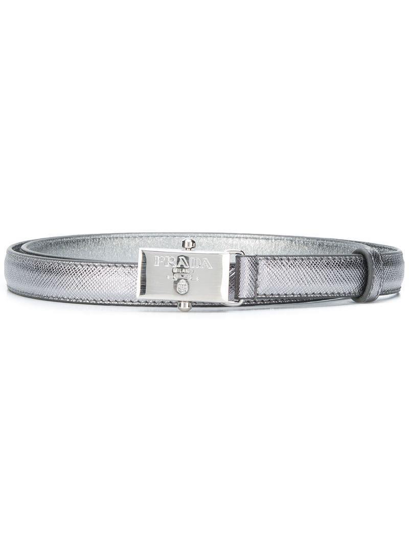 Lyst - Cinturón con placa del logo Prada de color Gris dc457eb0e7dc