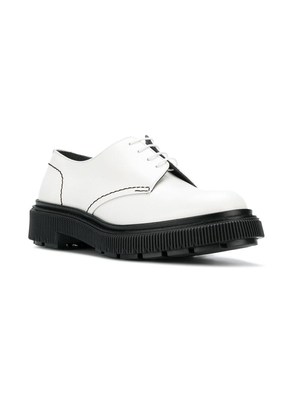 Zapatos derby Type 103 Adieu de Cuero de color Blanco