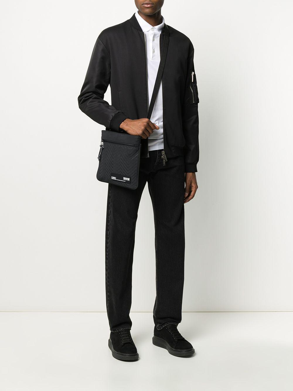 Sac à bandoulière à logo brodé Jean Versace Jeans pour homme en coloris Noir