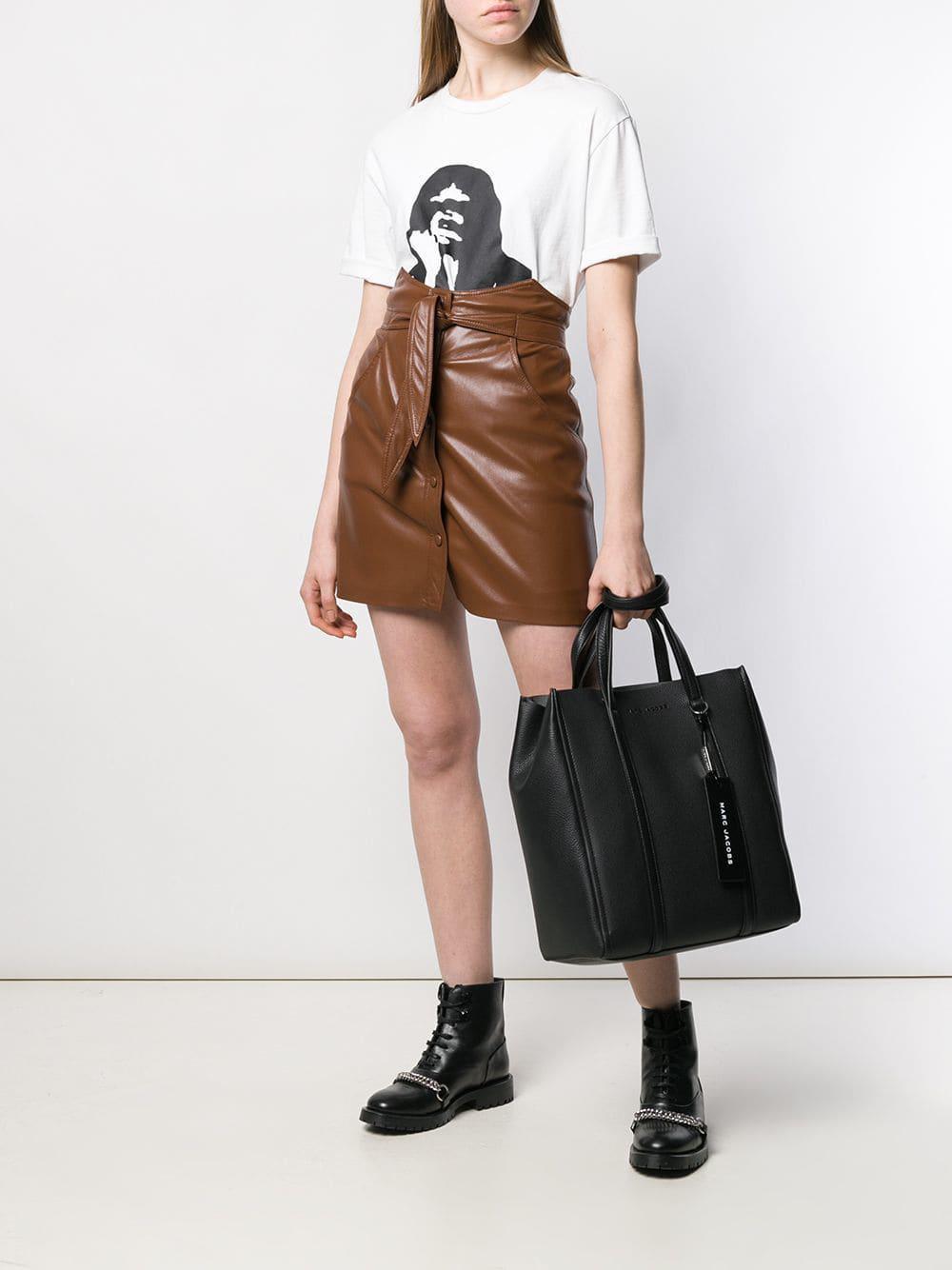7e58cdb1ade9 Marc Jacobs - Black Oversized Tag Tote Bag - Lyst. View fullscreen