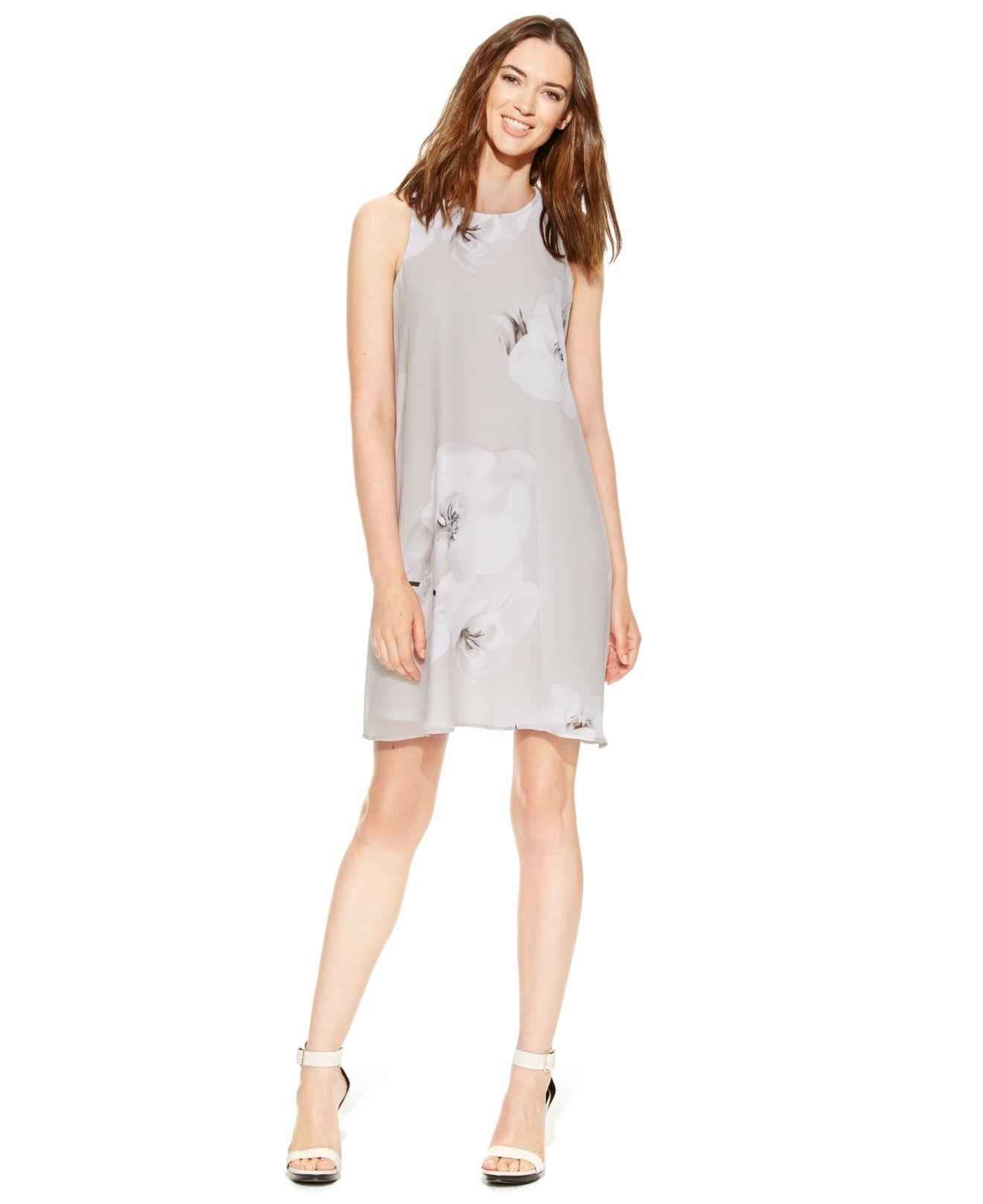 375d70d3fa7d Calvin Klein Petite Floral-print Chiffon Shift Dress in Gray - Lyst