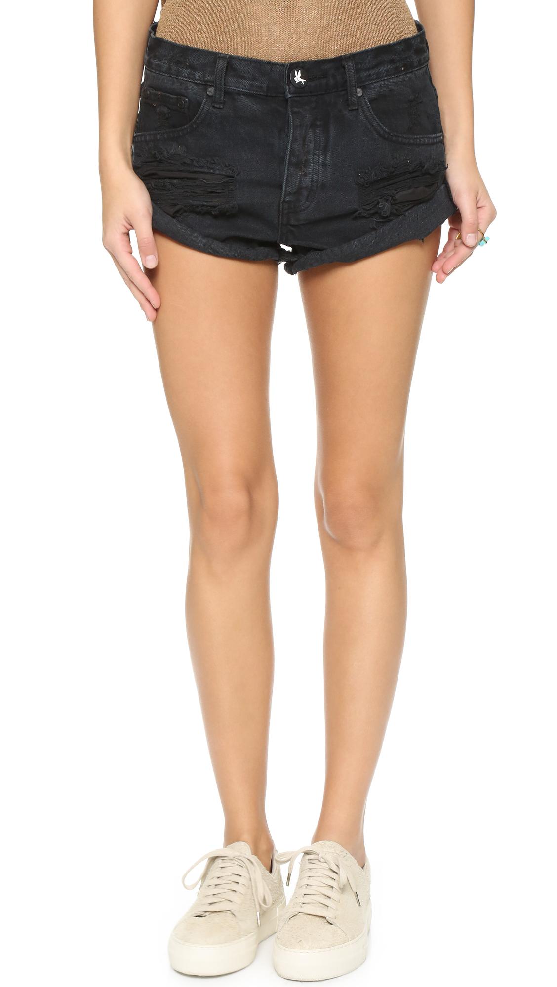 one teaspoon fox black bandits shorts in black lyst. Black Bedroom Furniture Sets. Home Design Ideas