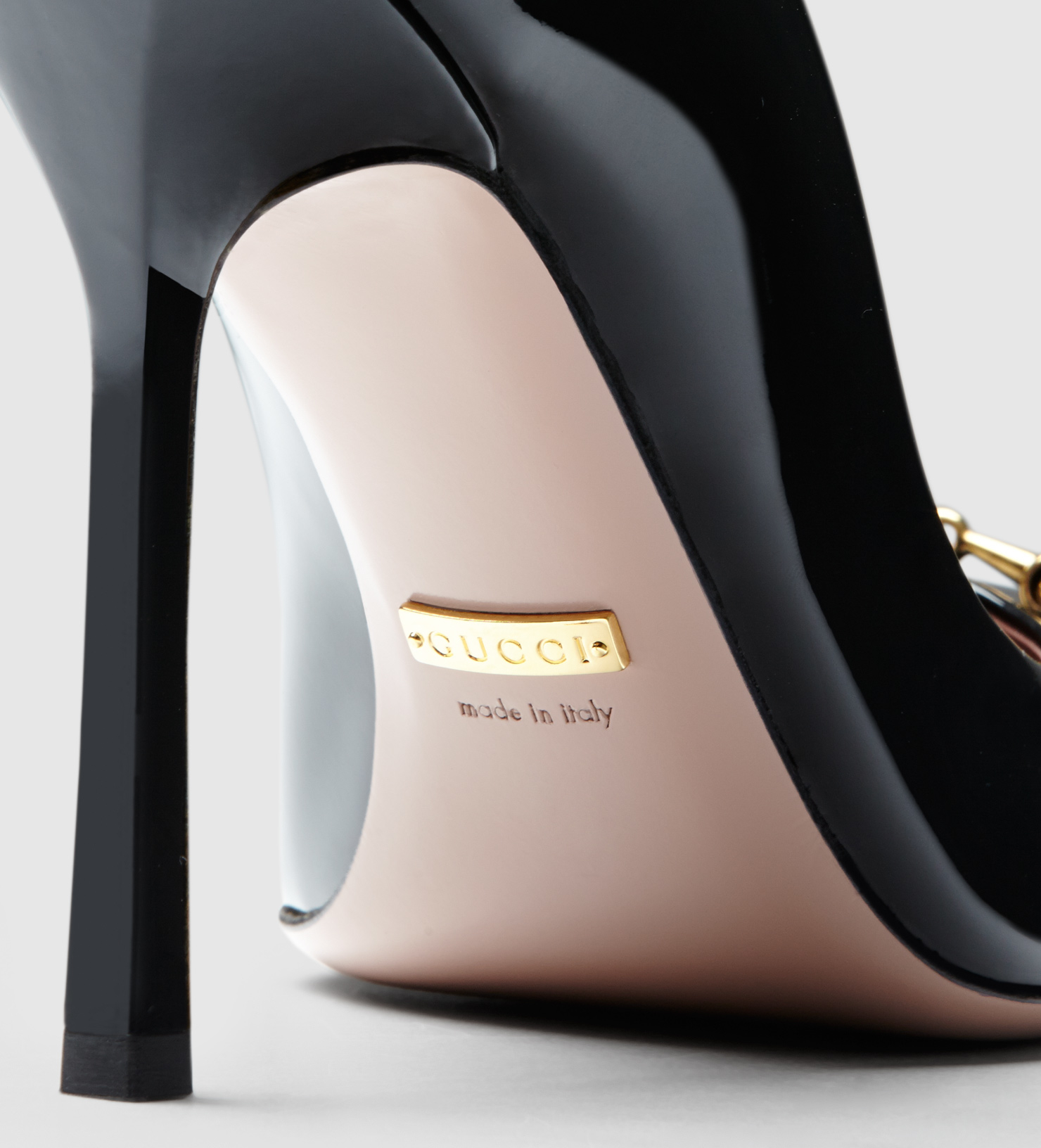 ace4d05eec1 Gucci Jolene Black Patent Leather Pump in Black - Lyst