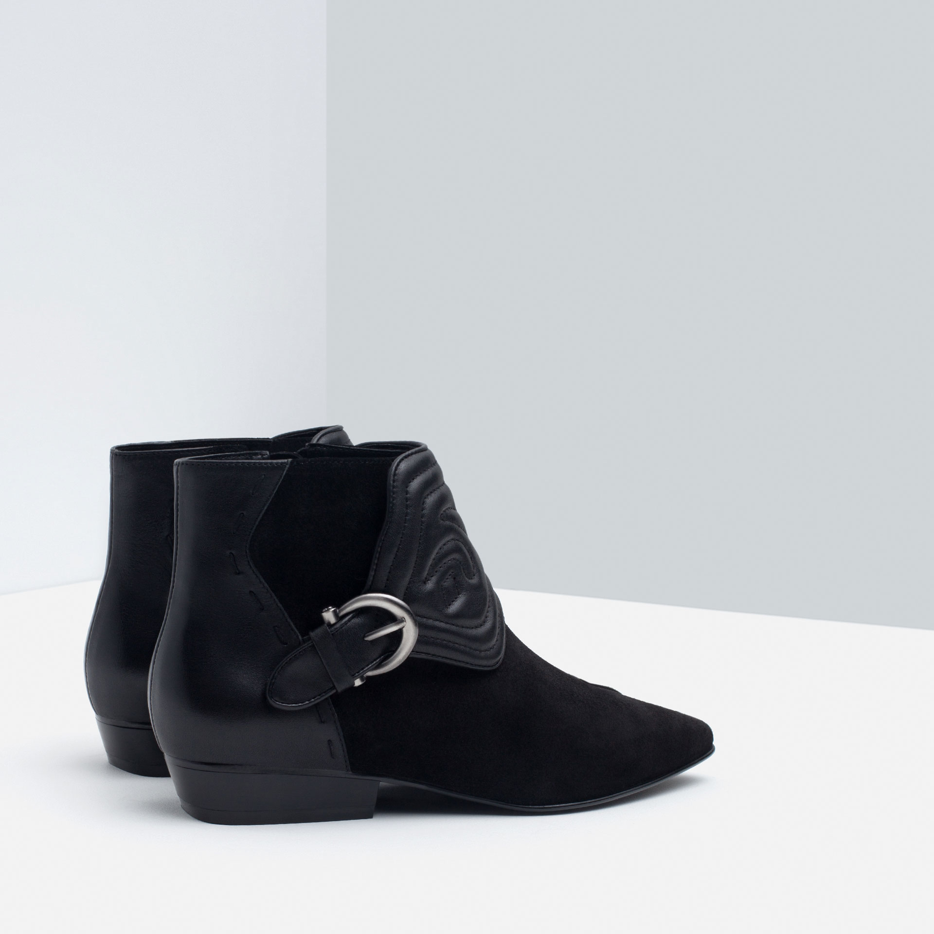 Zara Embossed Leather Flat Ankle Boots in Black | Lyst