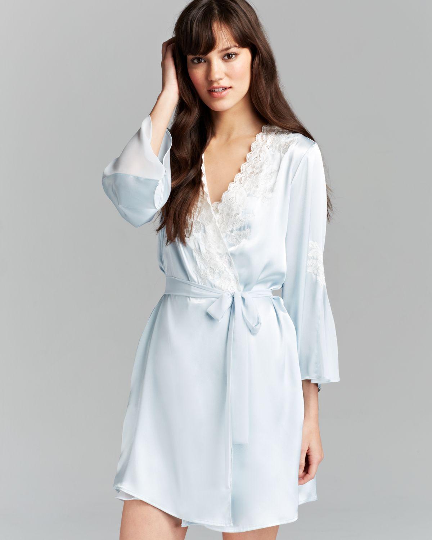 Robe: Oscar De La Renta Satin Charmeuse Short Robe In Blue