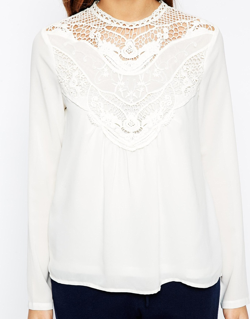 0e8daa7d54b171 Vero Moda High Neck Lace Insert Long Sleeve Top in White - Lyst