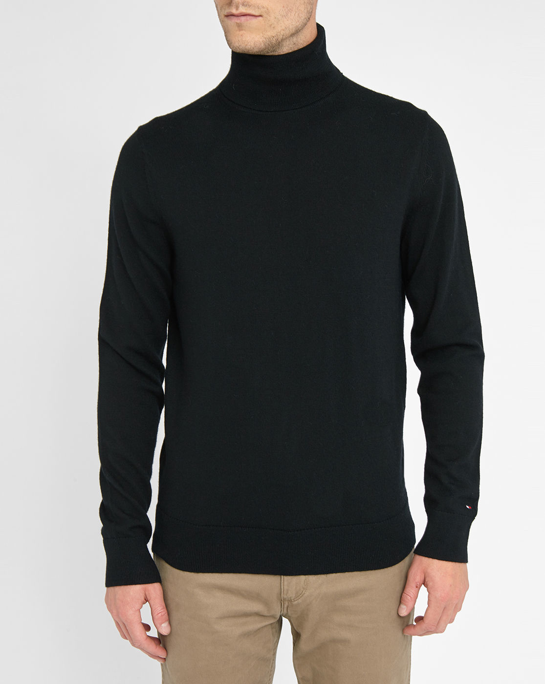 Polo sweaters. Polo neck sweaters are called rollneck, skivvy, or turtleneck in various parts of the world. The close-fit of the high neck is wearable as is, or folded down for comfort and a varied style. The formed collar protects the neck from winds and cold weather.