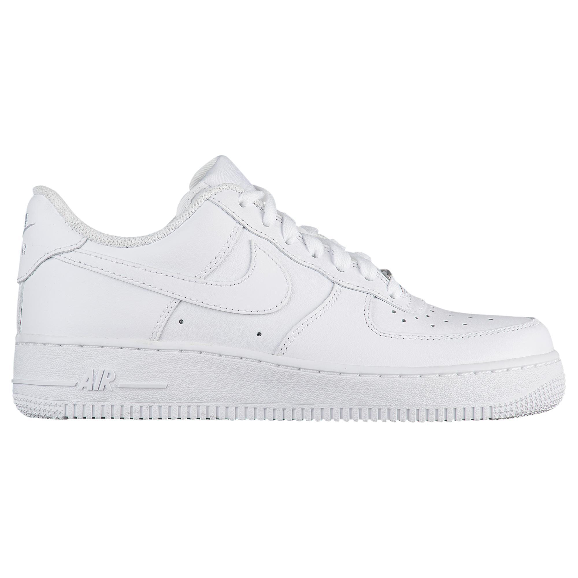 Air Force 1 07 Le Low Shoes
