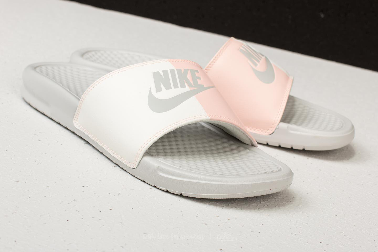best service 303a0 de9e3 Gallery. Previously sold at  Footshop · Women s Nike Benassi