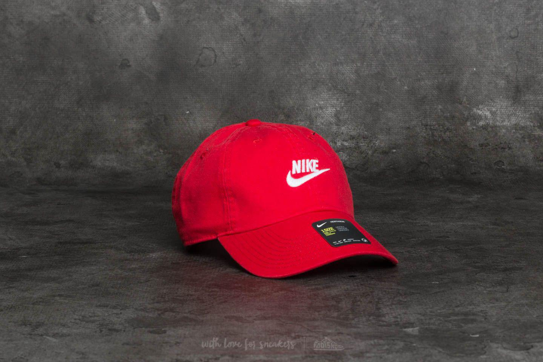 Sportswear Heritage 86 Futura Washed Cap Red