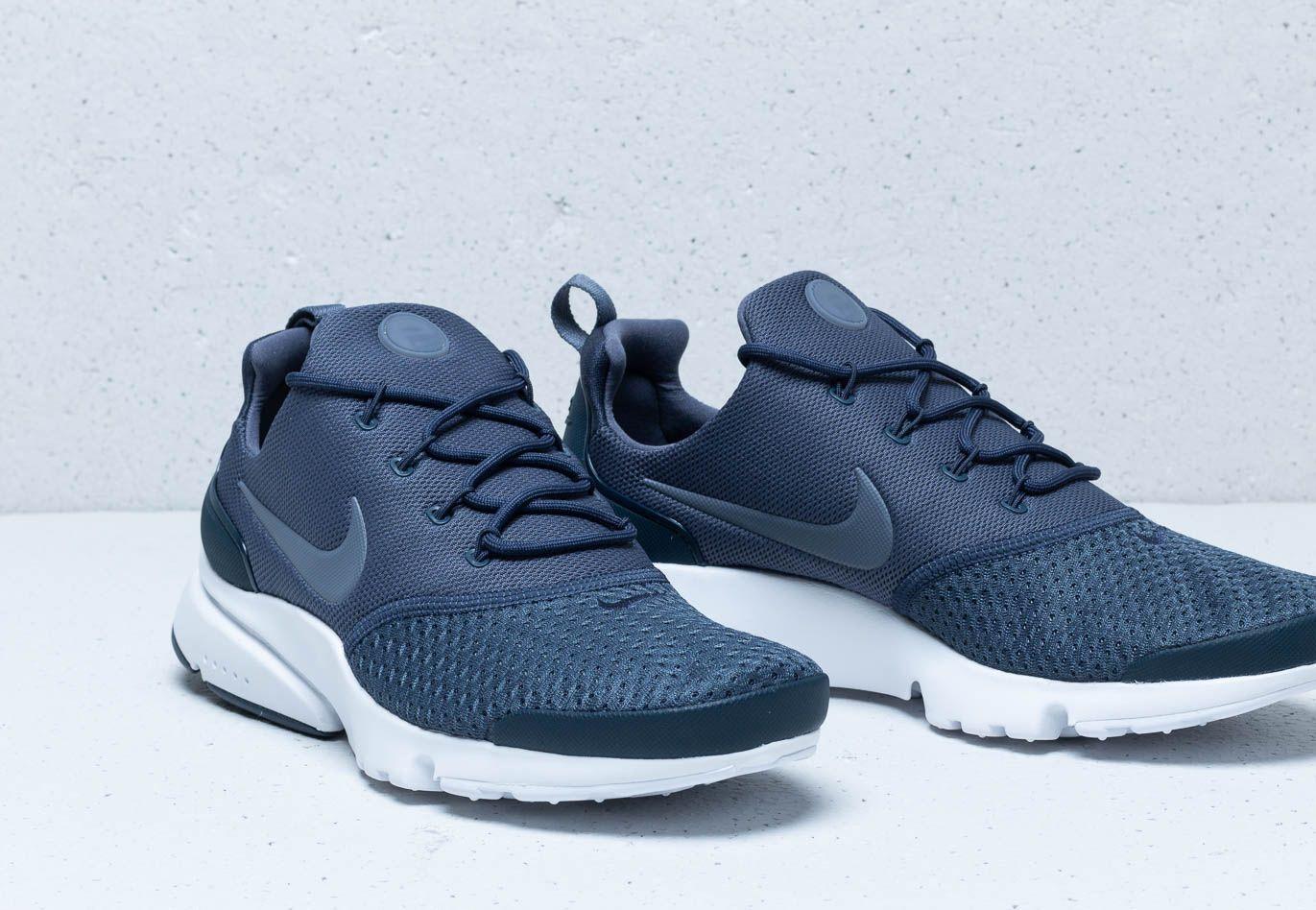 competitive price 7cc85 79431 Nike - Presto Fly Se Thunder Blue  Light Carbon for Men - Lyst. View  fullscreen