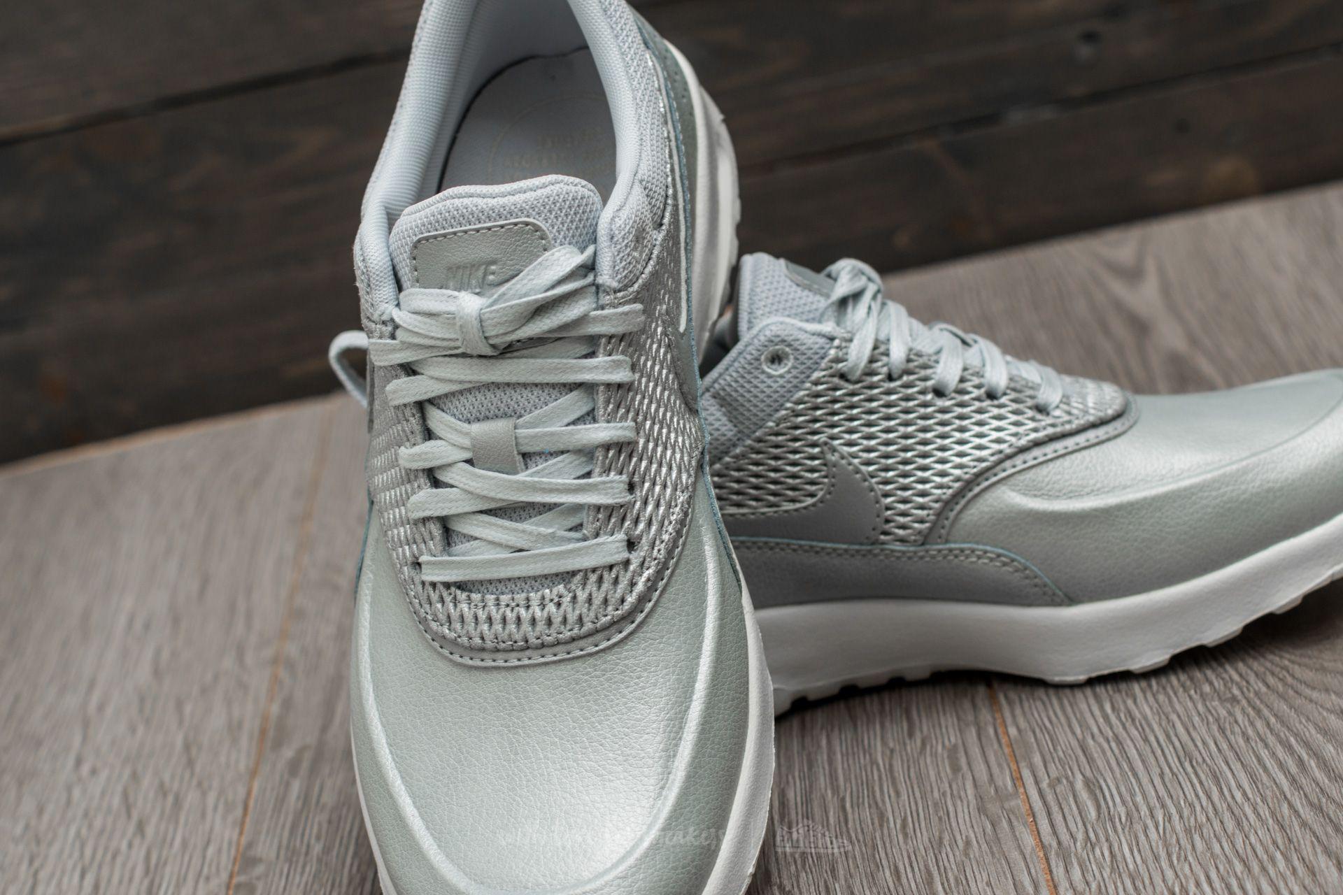 Men Nike Air Max Thea Premium Leather in Metallic Platinum