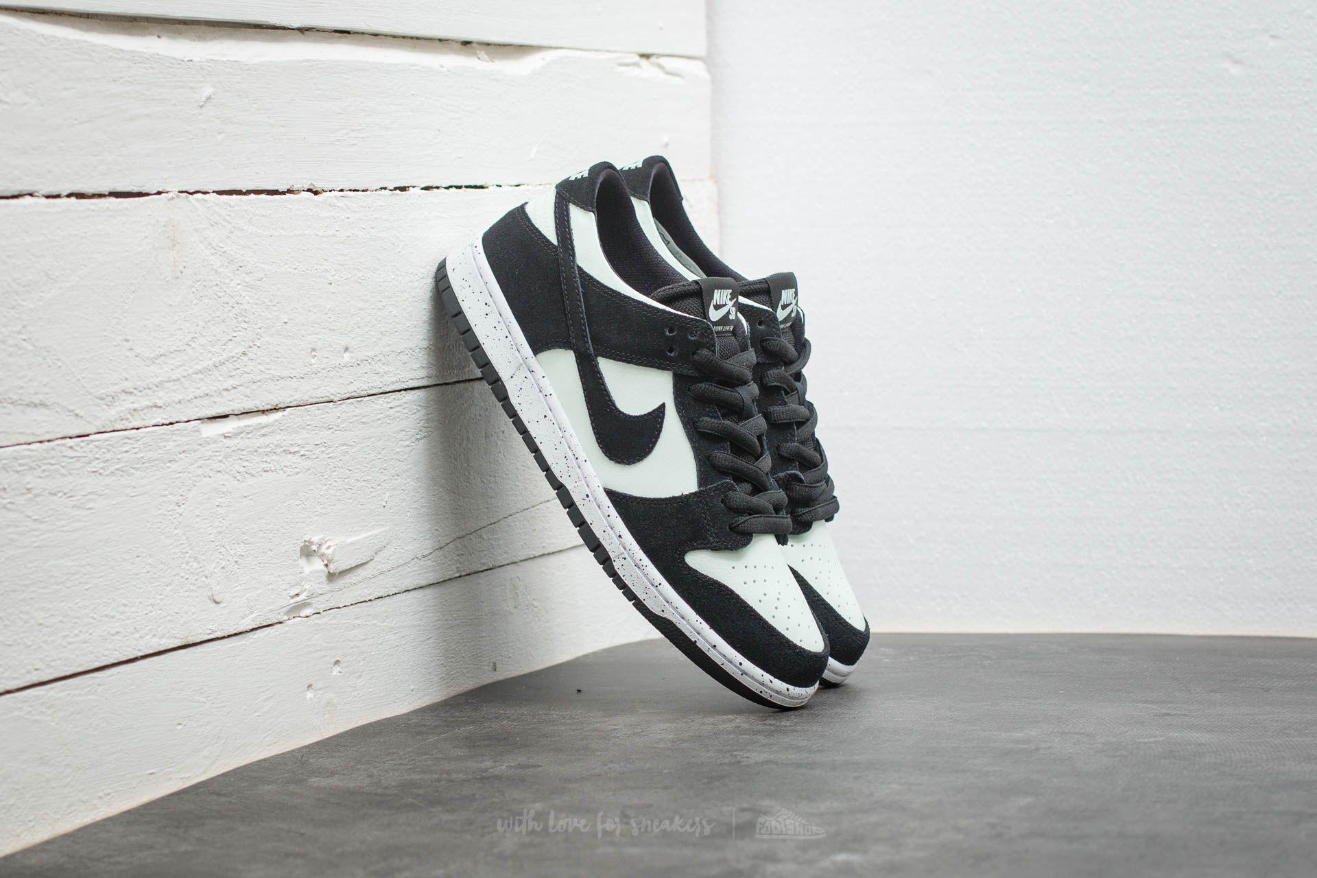 black and white low top nikes