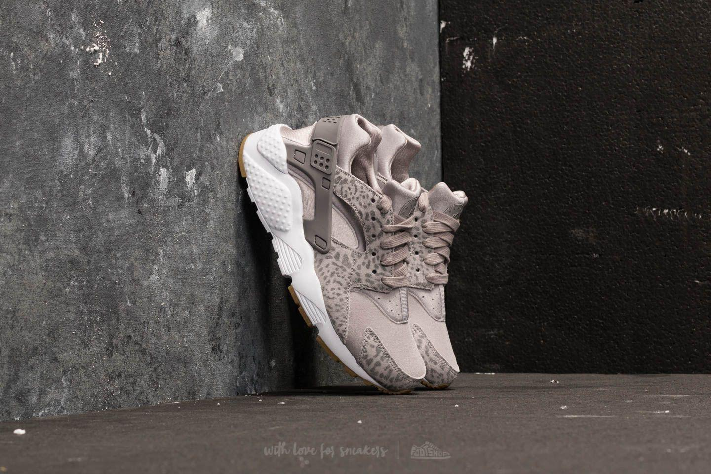 d00972959301 Lyst - Nike Huarache Run Se (gs) Atmosphere Grey  Gunsmoke in Gray