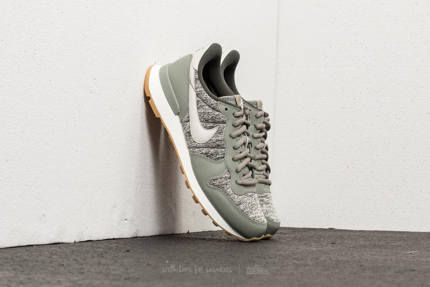 7a3a8b9a3536 nike--Internationalist-Wmns-Dark-Stucco-Light-Bone-sequoia.jpeg