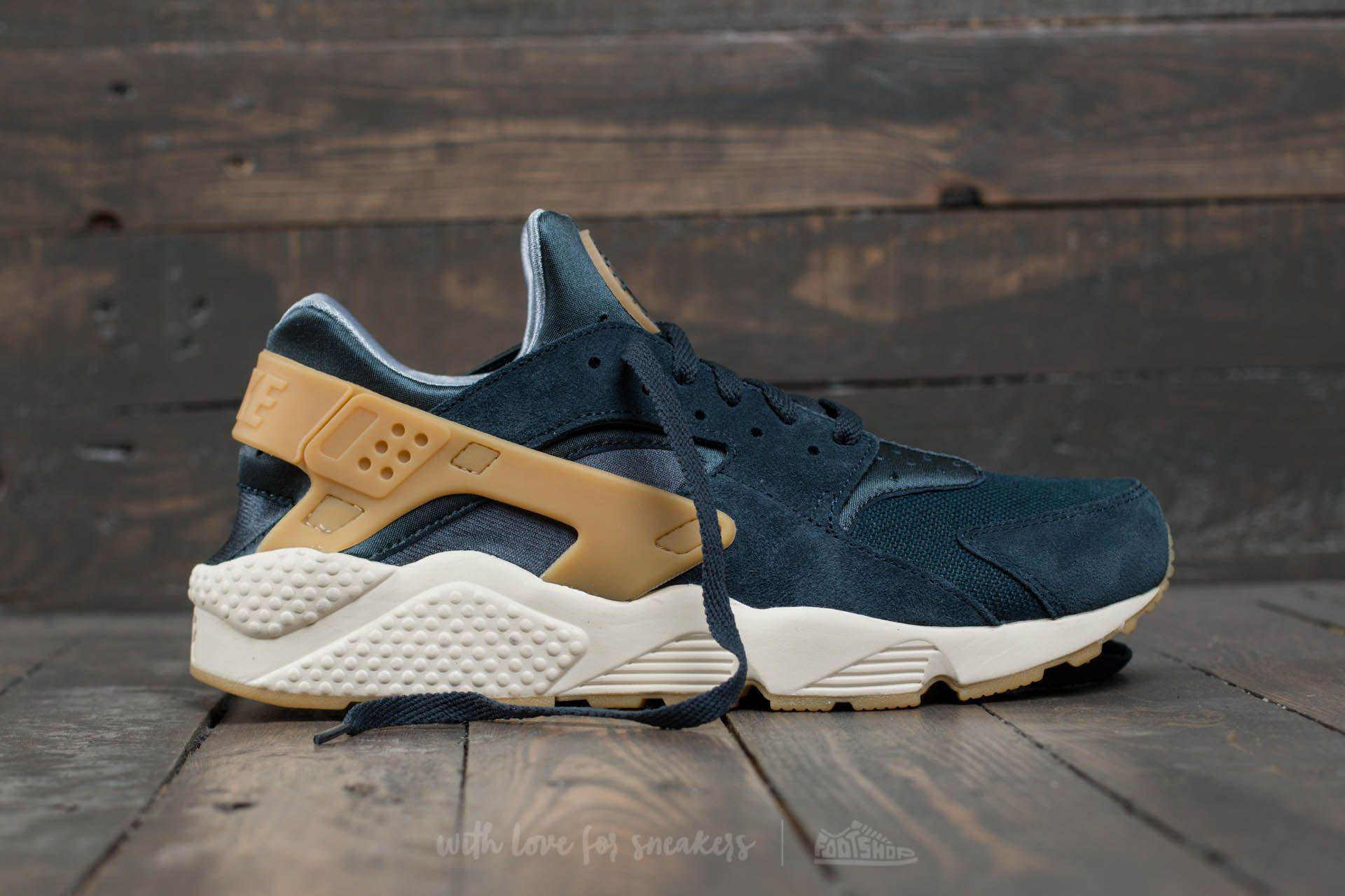 best sneakers 0e522 5b6a4 Lyst - Nike Air Huarache Run Se Armory Navy  Gum Yellow in Blue for Men