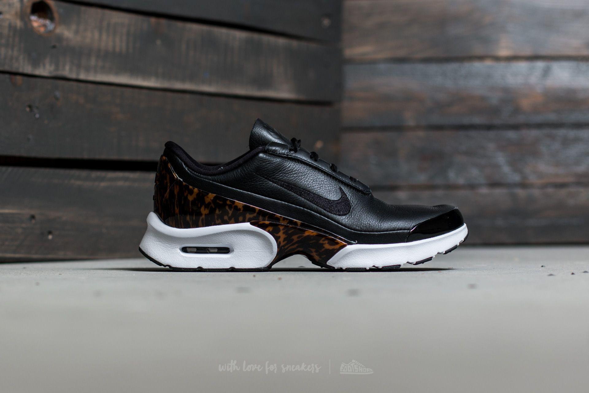 c8d28c0a1e Gallery. Previously sold at: Footshop · Women's Nike Air Max