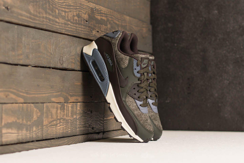 Nike Air Max 90 Premium SequoiaVelvet Brown Light Carbon
