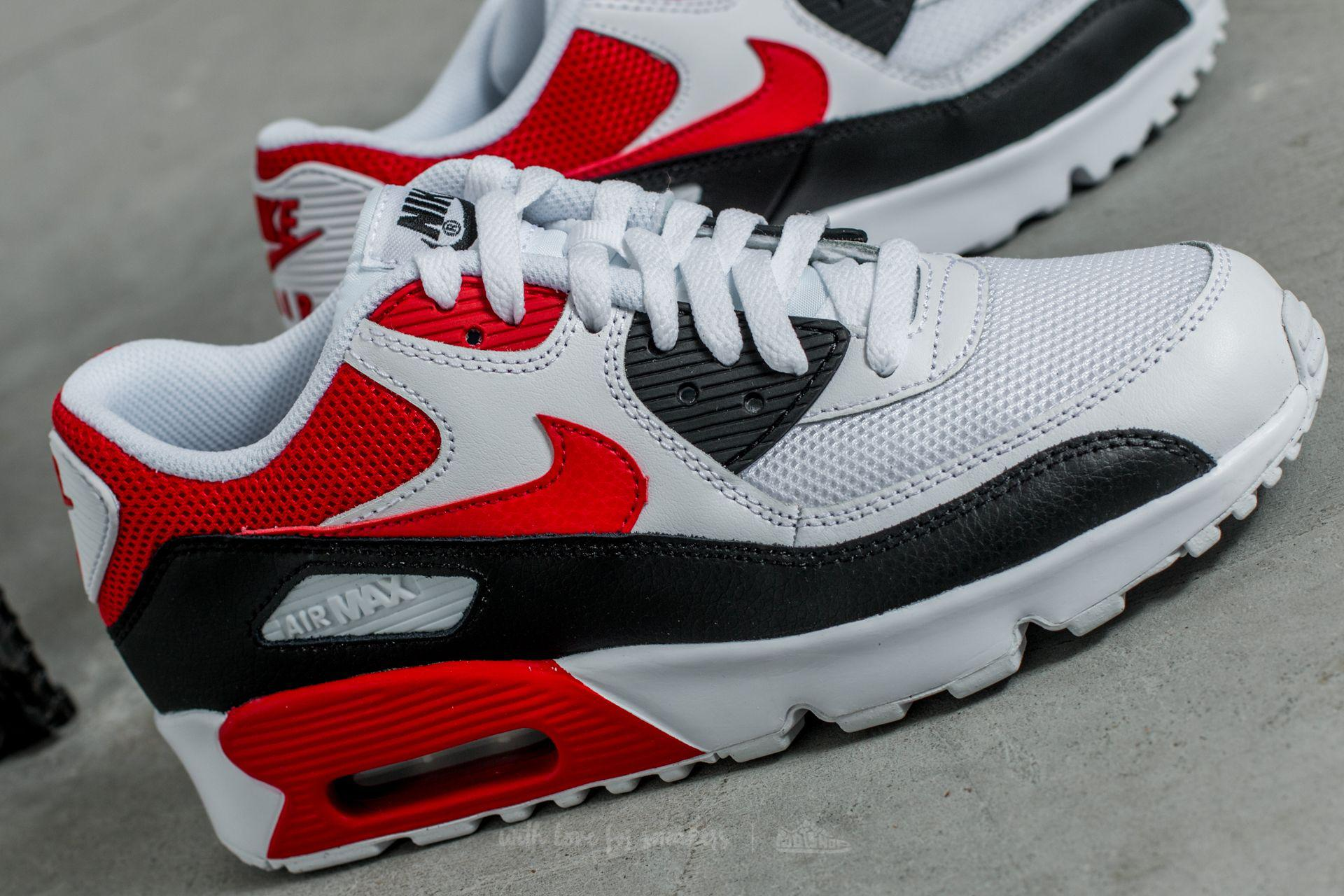 sports shoes f1928 f219b Gallery. Previously sold at  Footshop · Men s Air Max 90 Sneakers