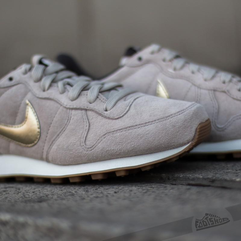 the latest 60efb 38d99 ... string metallic gold grain dark storm 2ab5c new style gallery.  previously sold at footshop mens nike internationalist 4923c 65166 ...
