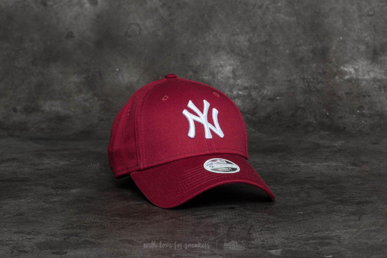 69f0a517a01ed Lyst - KTZ 9forty Women Essential New York Yankees Cap Burgundy ...