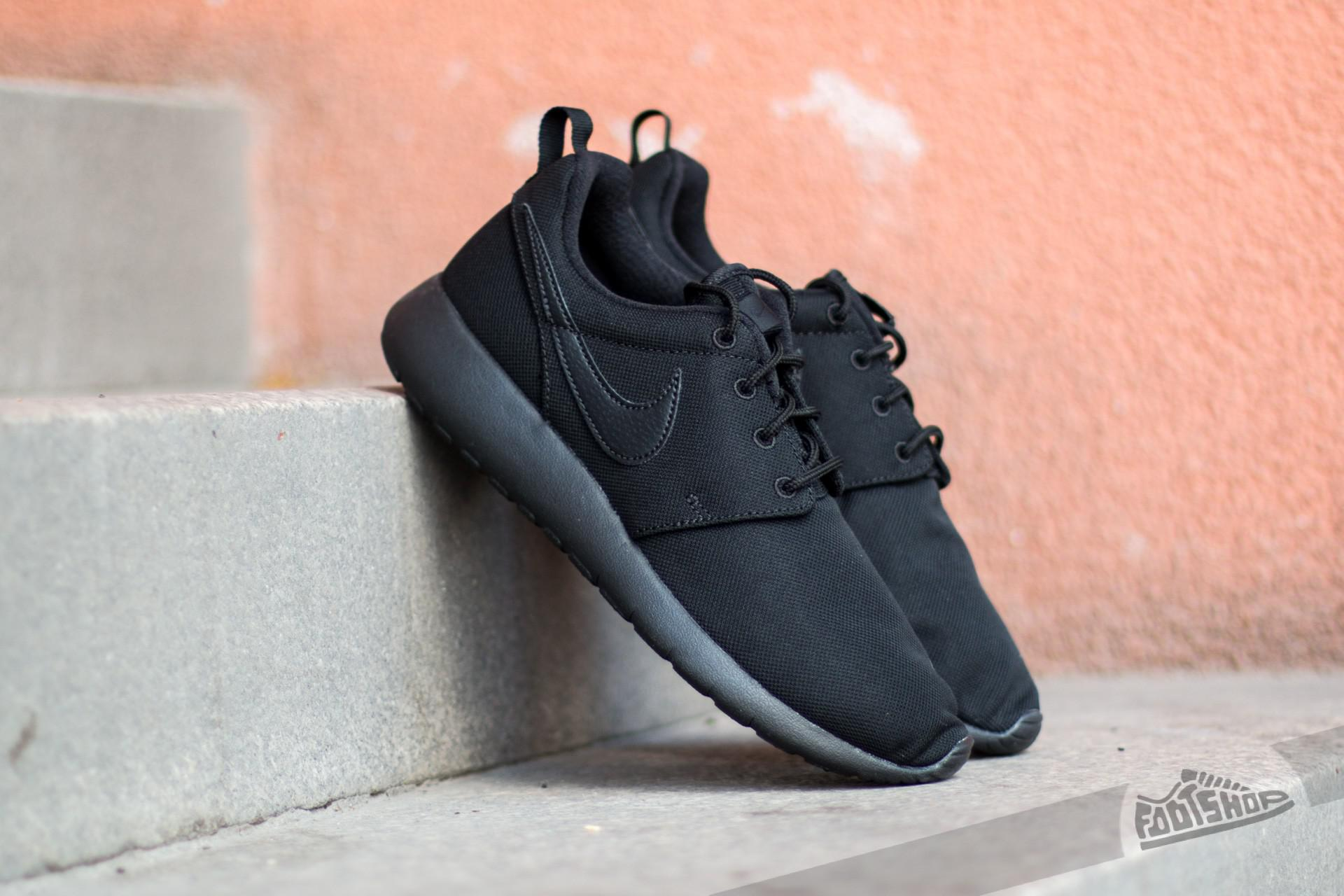 Nike W Nike Roshe Une Hyp Br Bas-tops & Chaussures yBnklGxGV
