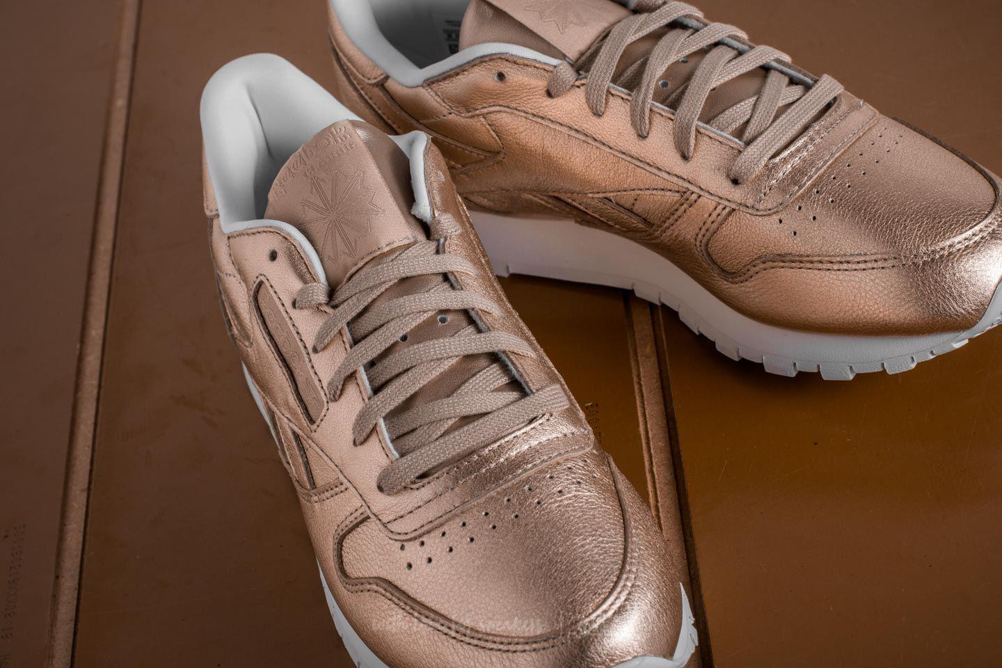 f5e6940be2b2f Gallery. Previously sold at  Footshop · Women s Reebok Classic Leather ...