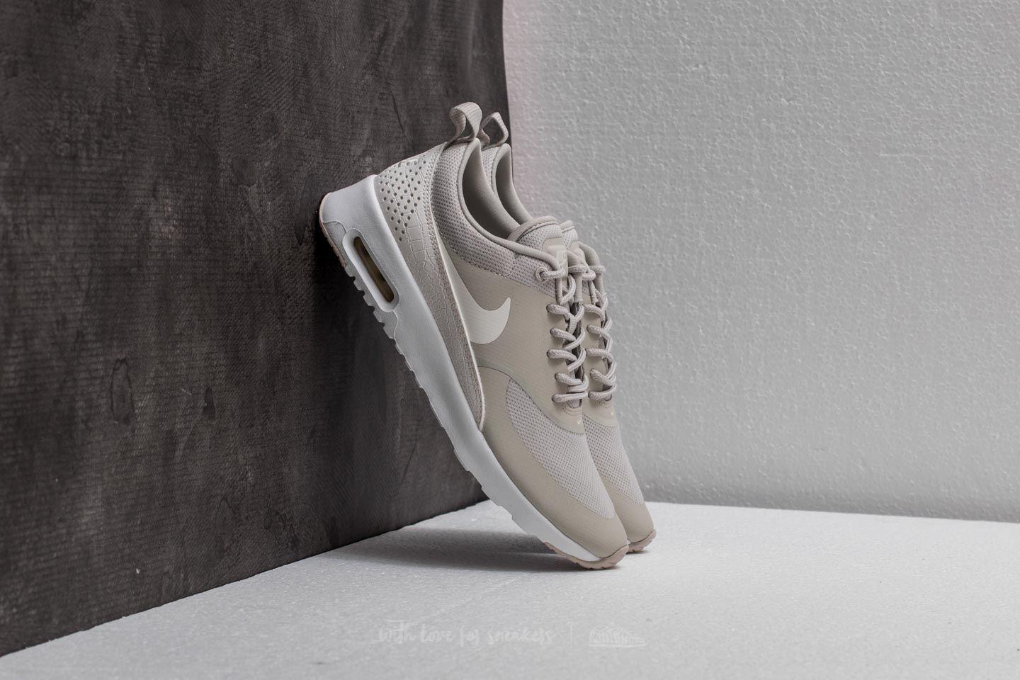 22206b7eb764 Gallery. Previously sold at  Footshop · Women s Nike Air Max ...
