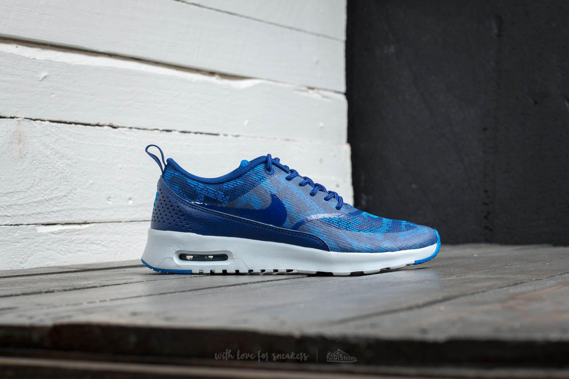 royal blue nike air max thea