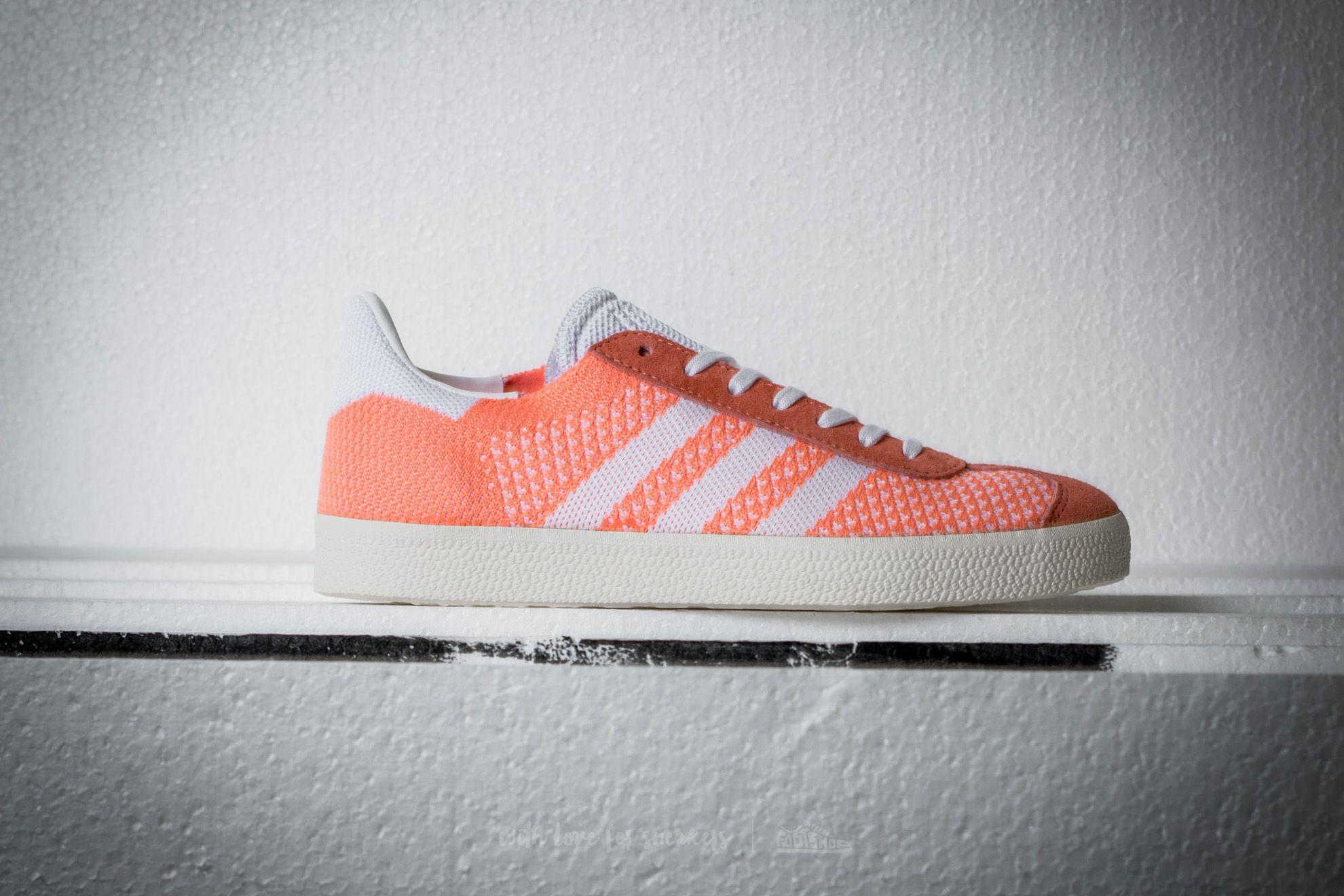 wholesale dealer 16ae4 e36d4 Gallery. Previously sold at Footshop · Womens Adidas Gazelle ...