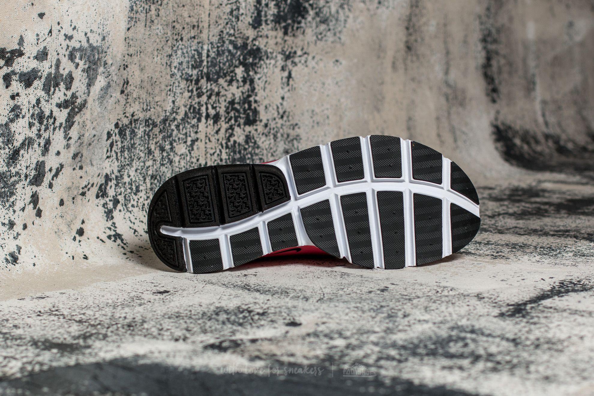 pretty nice 5f9c4 92d98 Lyst - Nike Wmns Sock Dart Se Ghost Green  Black-hot Punch