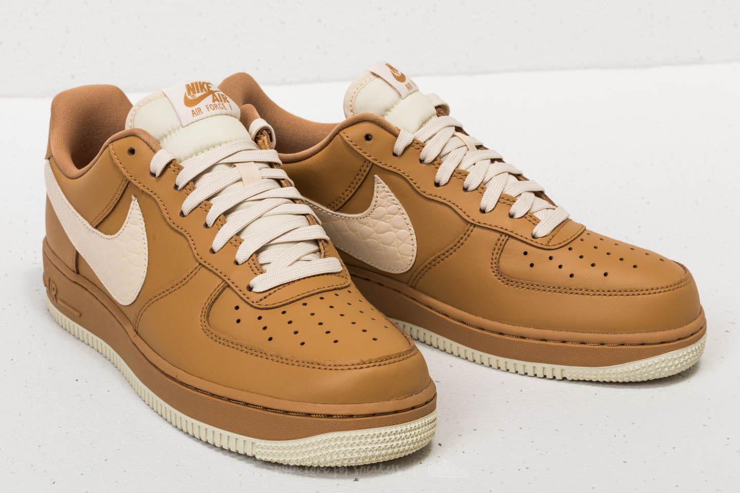 Nike Leather Air Force 1 '07 Lv8