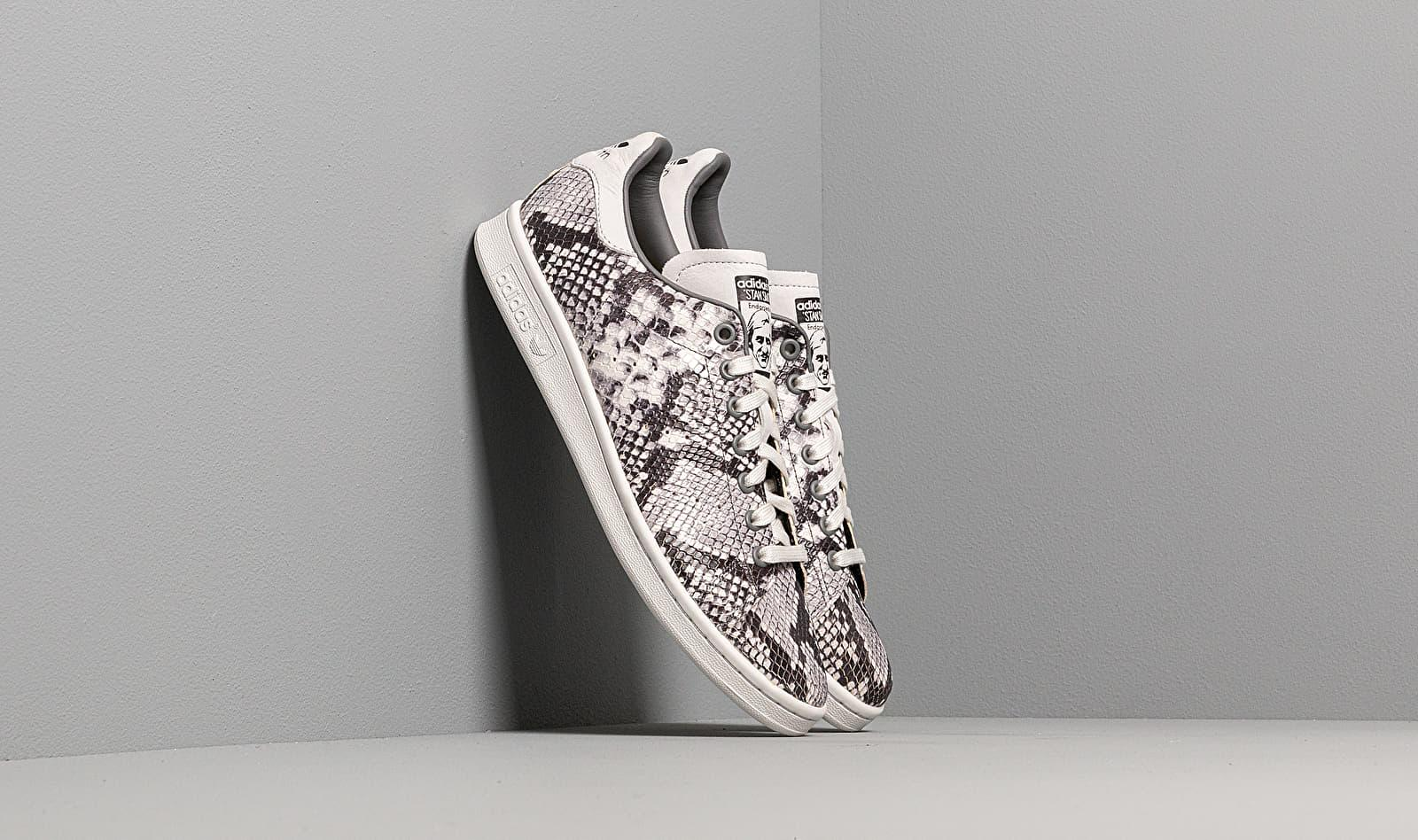 timeless design aa290 5d33b Men's Adidas Stan Smith Crystal White/ Gray Four F17/ Core Black