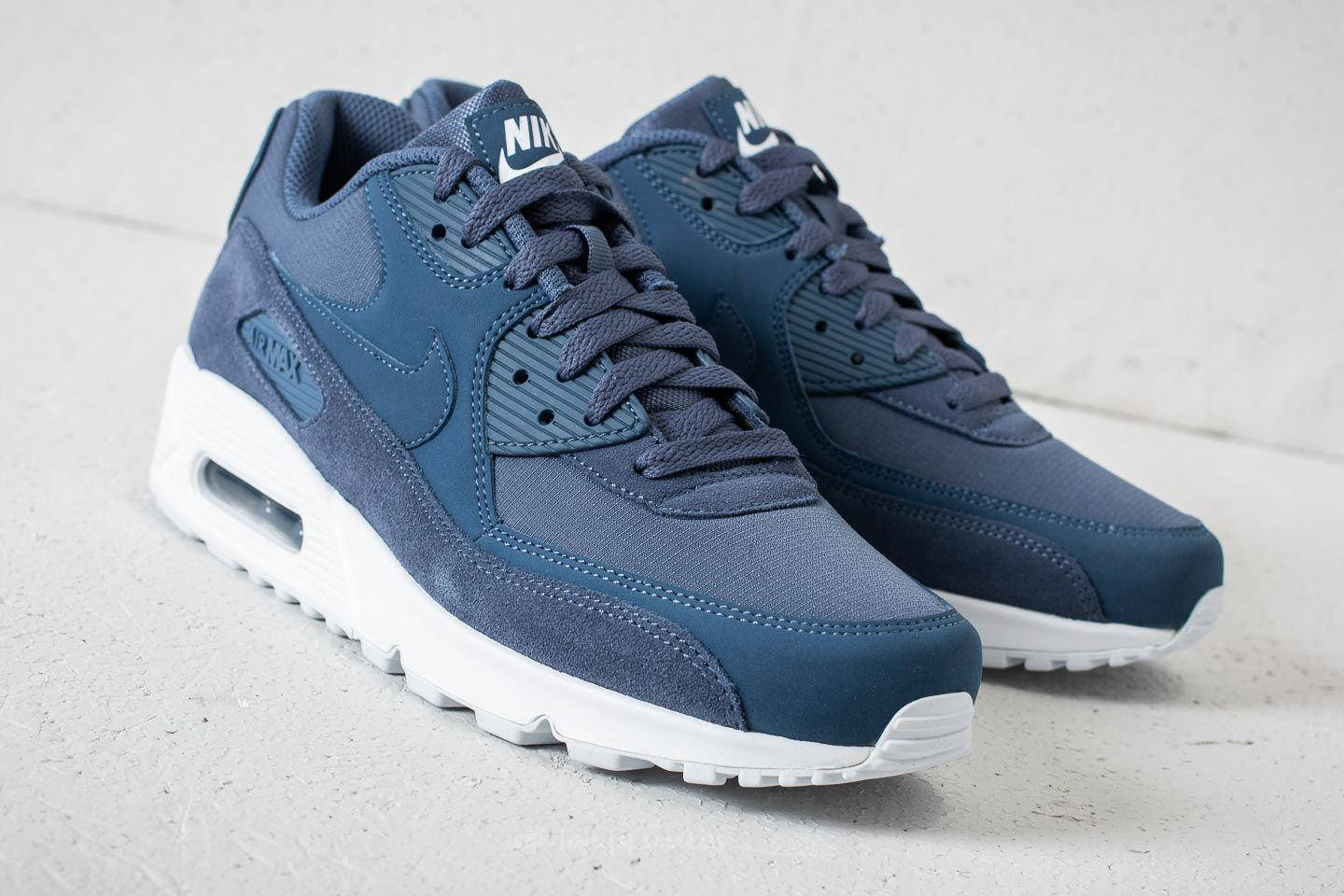 sports shoes 18f86 db05c Gallery. Previously sold at  Footshop · Men s Air Max 90 Sneakers