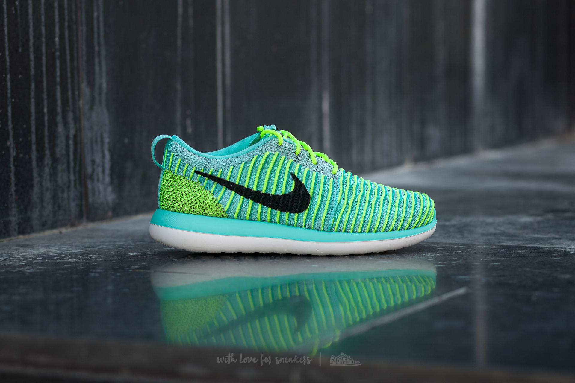 super popular c3092 1d3c9 Nike Roshe Two Flyknit (gs) Hyper Turquoise  Black-volt-clear-jade ...