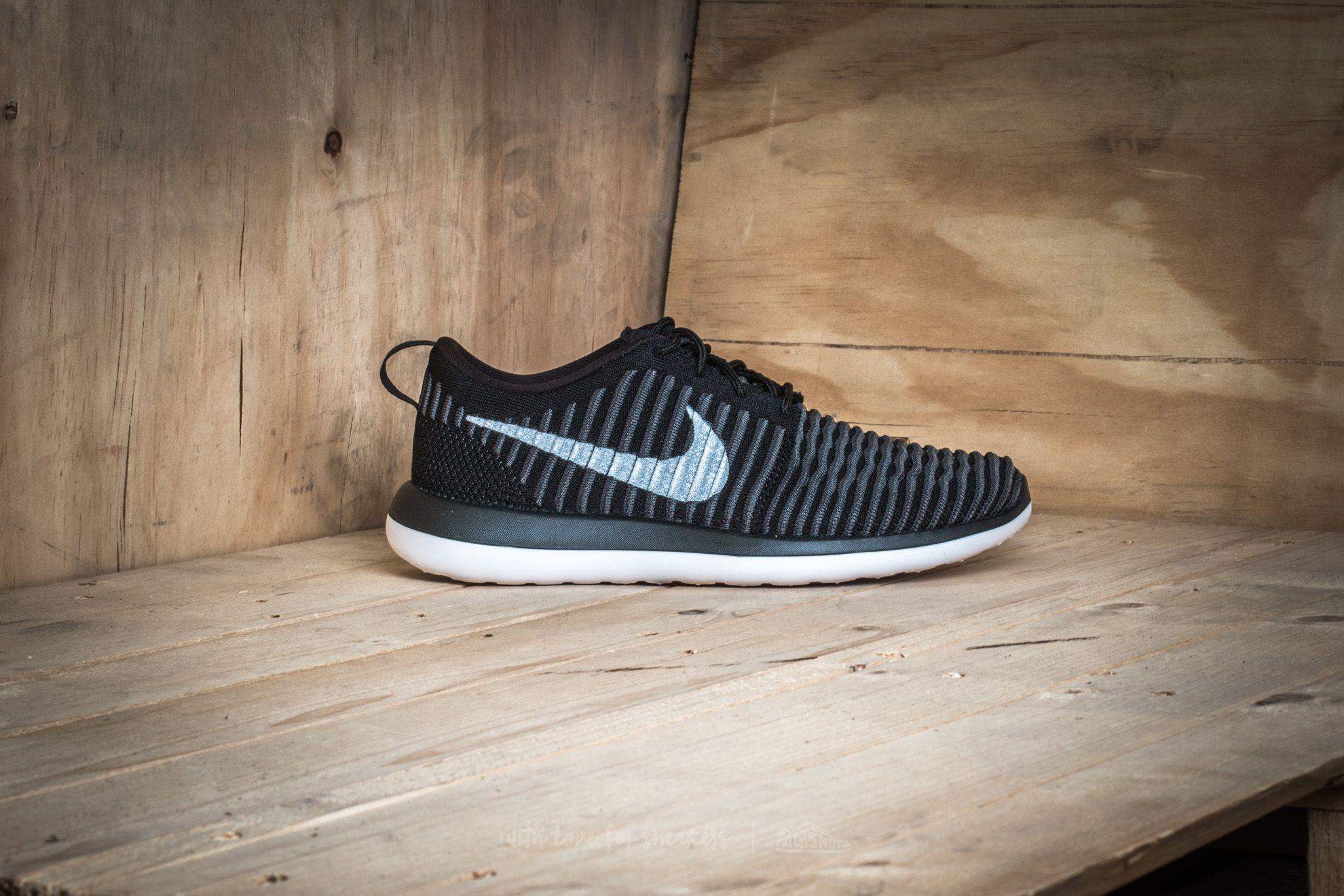 sports shoes 16745 6c4e5 Lyst - Nike Roshe Two Flyknit (gs) Black White-anthracite-da