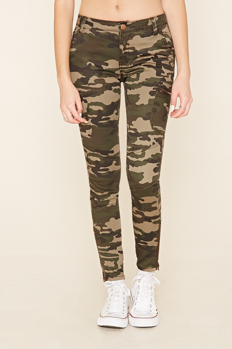 New Forever 21 Low-rise Camo Cargo Pants In Green | Lyst