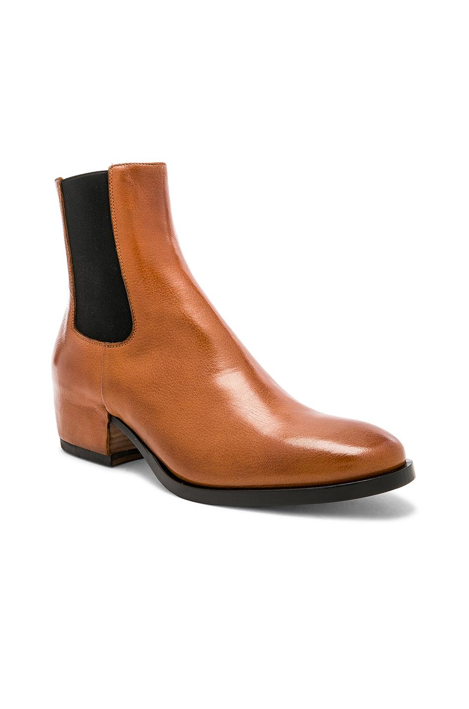 Givenchy Cuban Heel Leather Chelsea Boots in . jT3N4