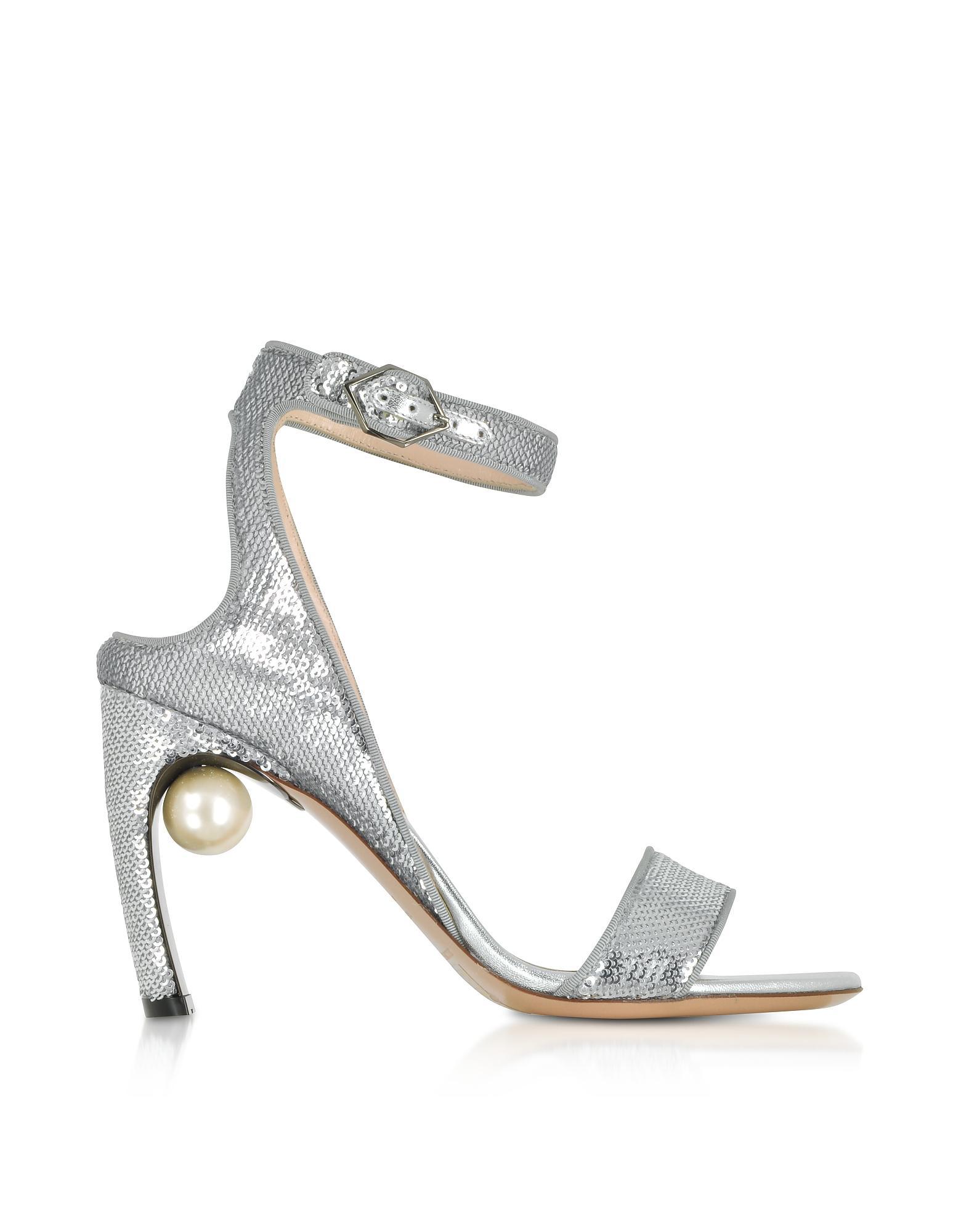 Silver Lola Pearl 90 Leather sandals - Metallic Nicholas Kirkwood aM989RV