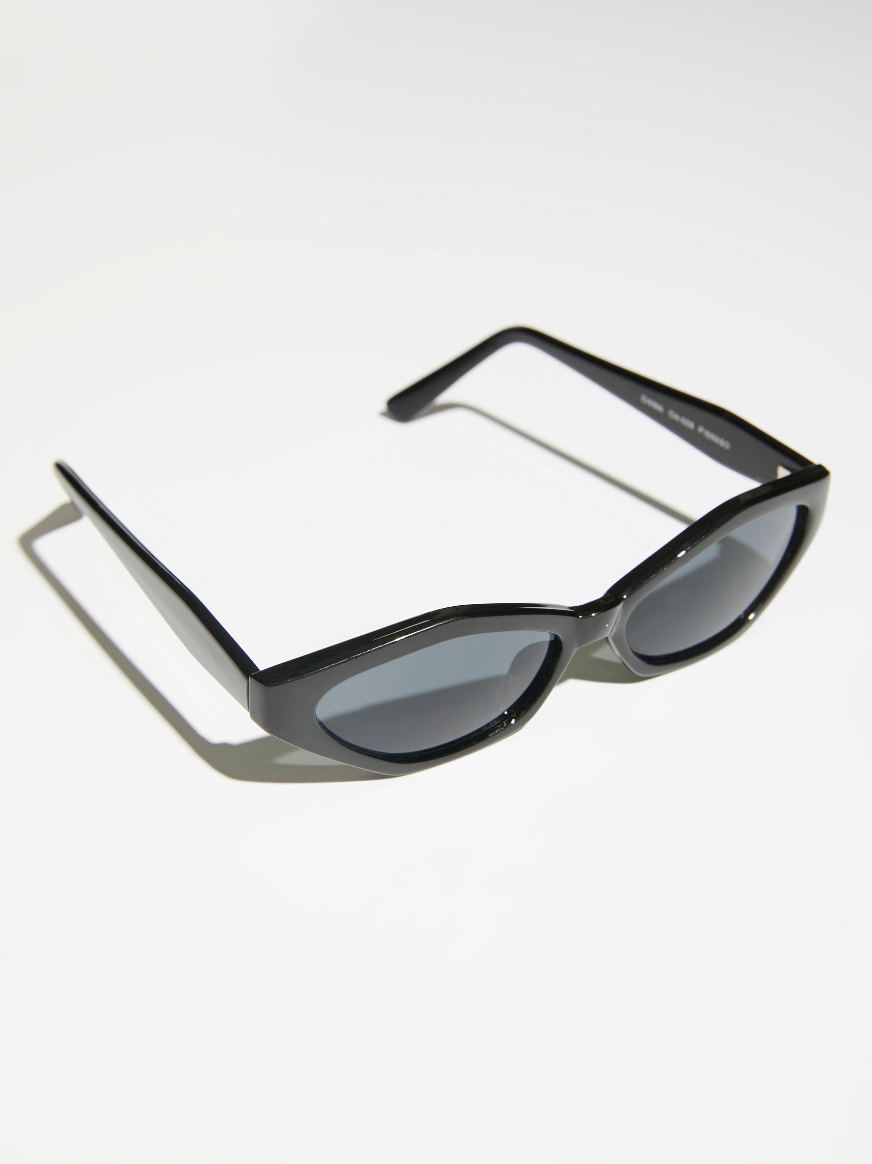 Free People What's Your Angle Sunglasses in Black