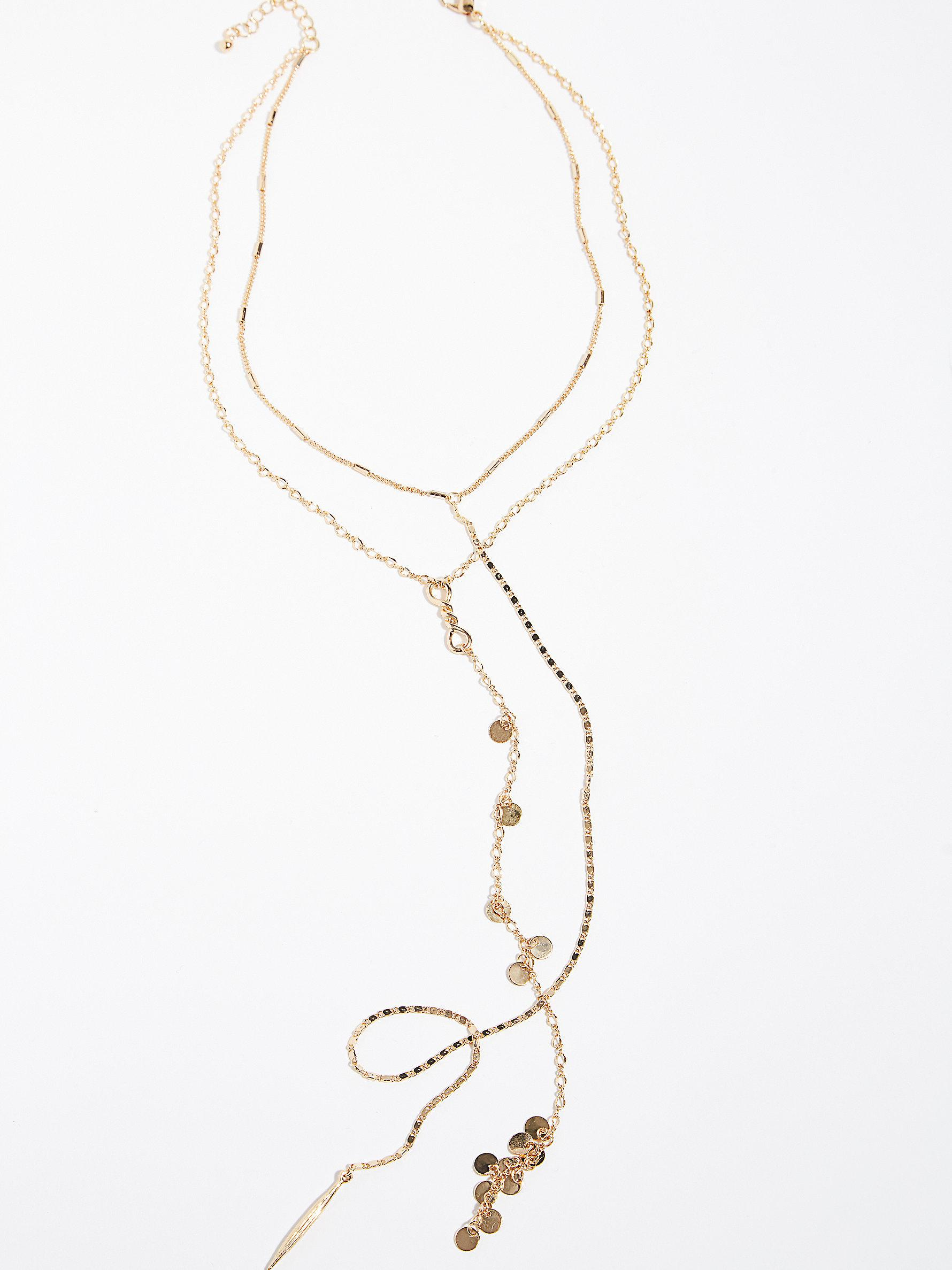 Free People Infinity Delicate Lariat in Gold (Metallic)