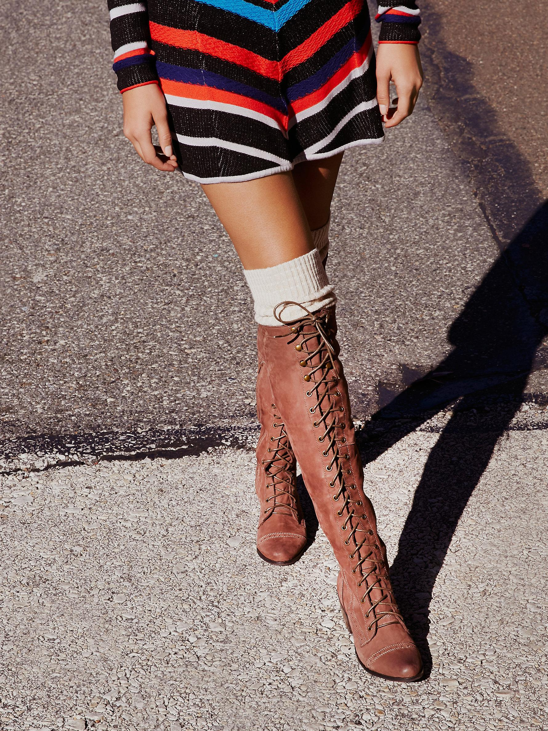 Leather Joe Lace Up Boot in Light Brown