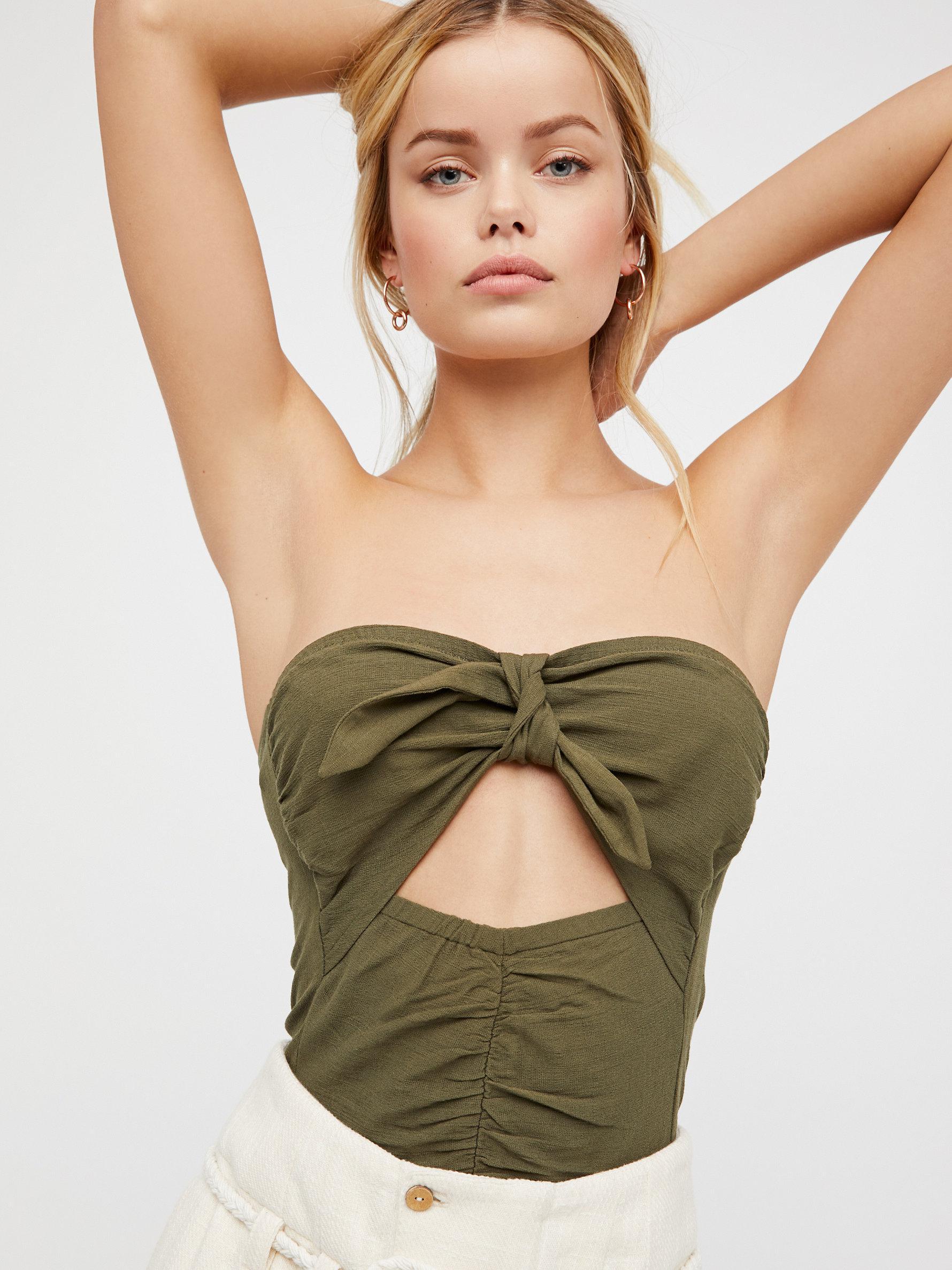 Skinny ebony nude