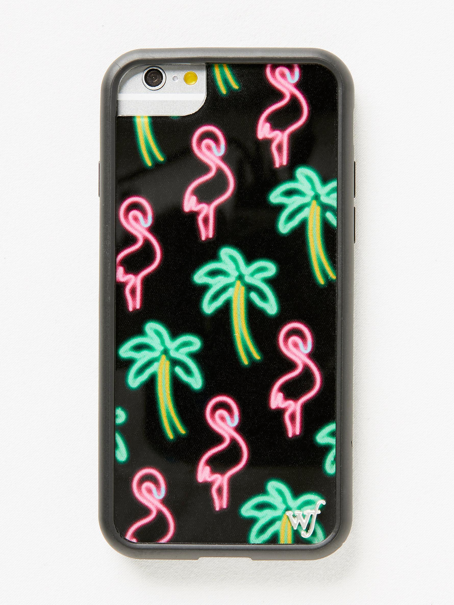 free people iphone case lyst free flamingo iphone in pink 5941